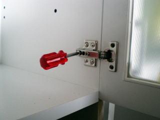 扉の調整の仕方
